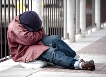 Группа риска по педикулезу - бездомные, у которых долго немытые волосы и не менявшаяся одежда